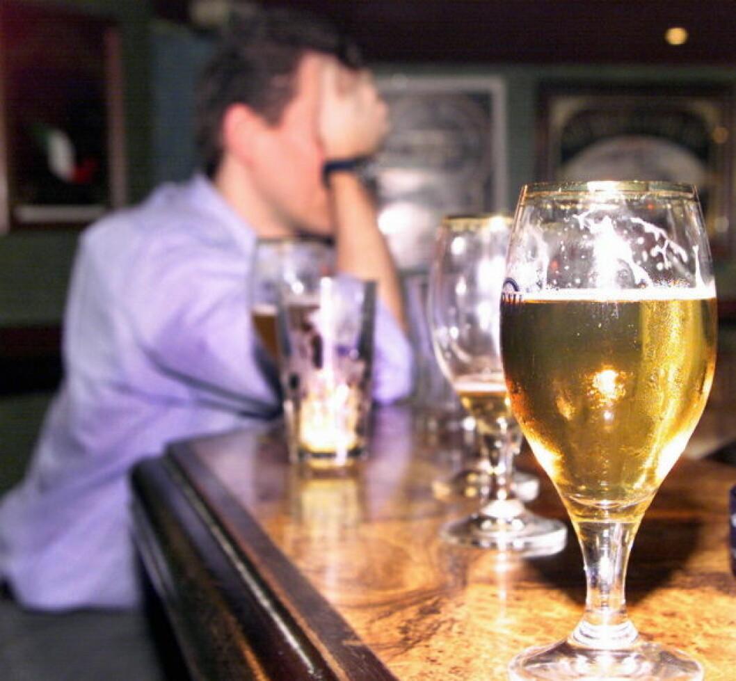 Øl drikker øldrikking COLOURBOX