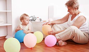 Småbarnsmødre jobber mere når bestemor blir pensjonist