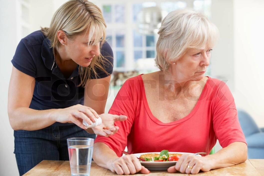 kvinner demens senior omsorg