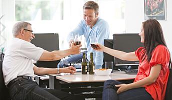 Hvordan lage rammer for alkohol i sosiale møter utenfor jobb?