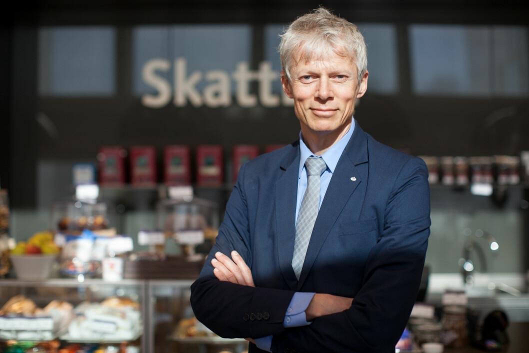 Skattedirektør Hans Christian Holte forteller at stadig flere melder fra til Skatteetaten om uoppgitte formuer og inntekter.