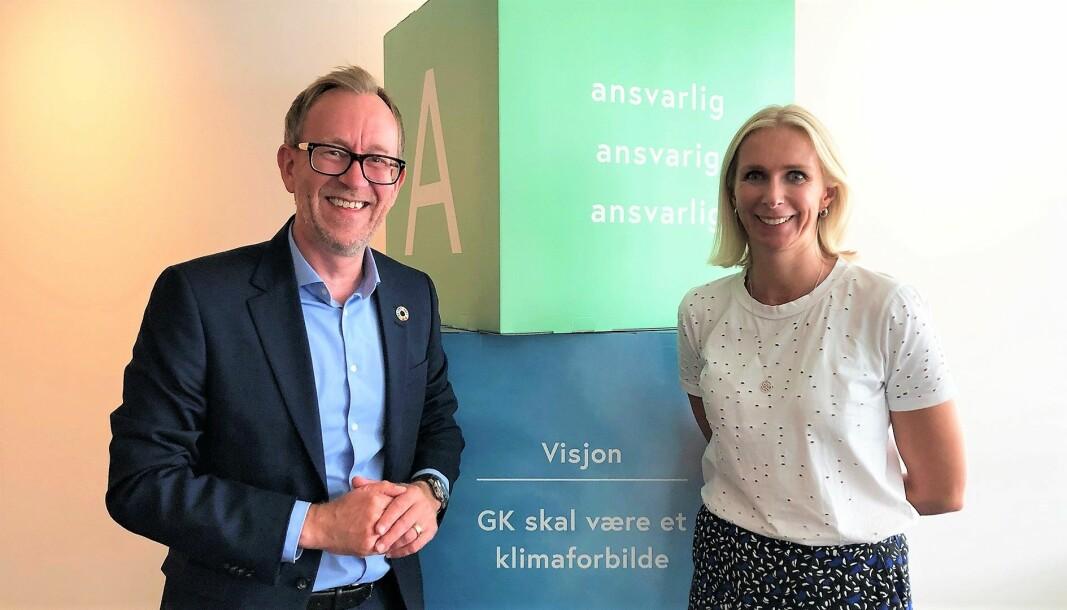 Konsernsjef Kim Robert Lisø og direktør for kommunikasjon og bærekraft Guro Steine i GK Gruppen presenterer konsernets første ESG-rapport.